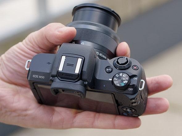 canon EOS-M50